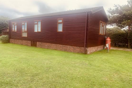 Advent Saffron Lodge  Paddock 4 Image 7